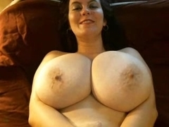 Amateur bbw slut touches her sexy curves