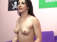 Hot Jennifer White uses her favorite toys to bring her cunt to orgasm