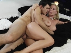 Kinky mommy gives head