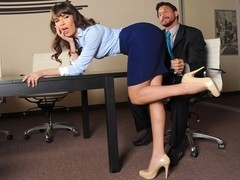 Dana DeArmond & Tommy Gunn  in Flesh - Episode 5 - The Breaking Point