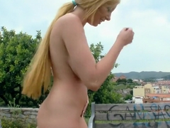 Smoking hot blonde chick begs to get deeply drilled outdoors